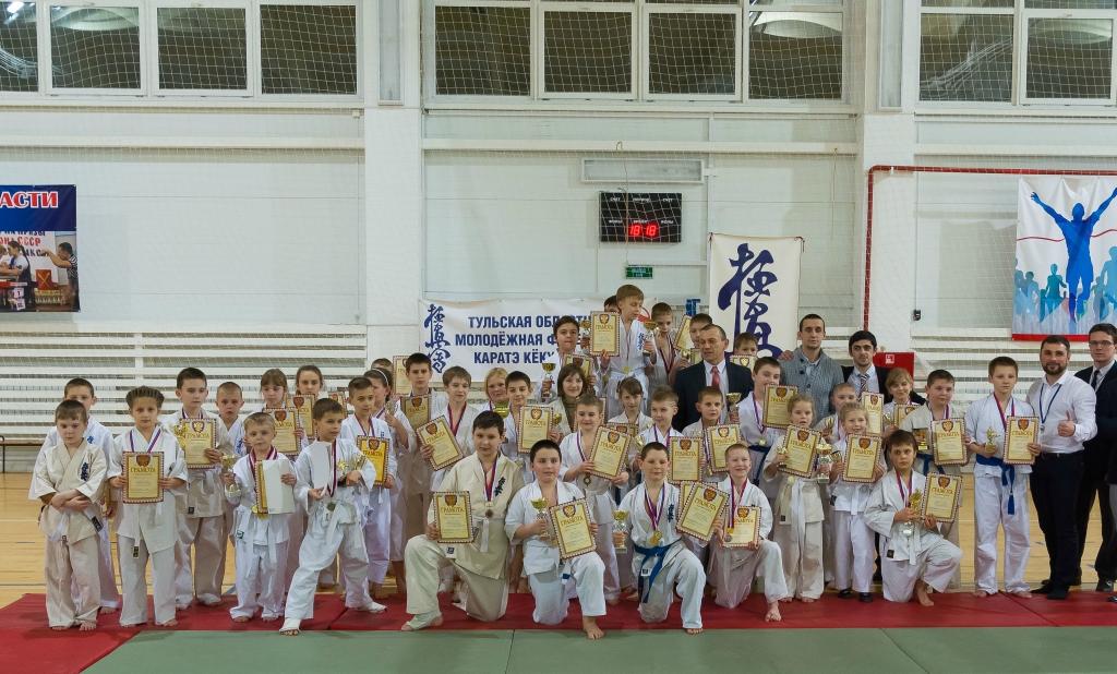 Рождественский турнир среди детей 7-8 и 9-11 лет по киокусинкай каратэ