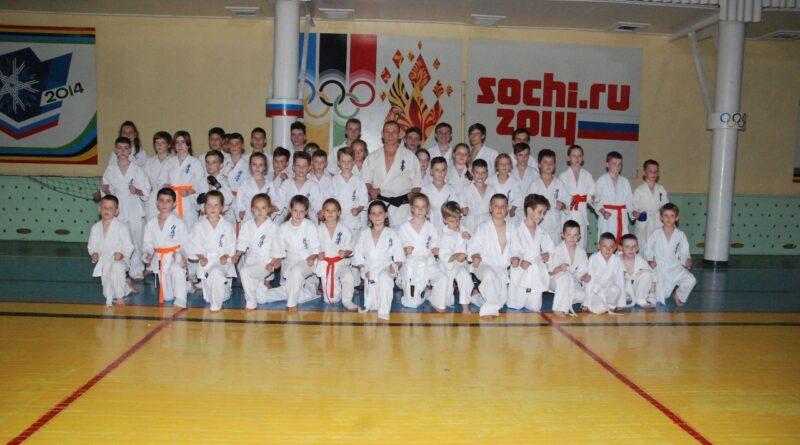 Юные каратисты МБУ ДО ДЮСШ № 3 «Атлет» приняли участие в  ежегодной аттестации на пояса.