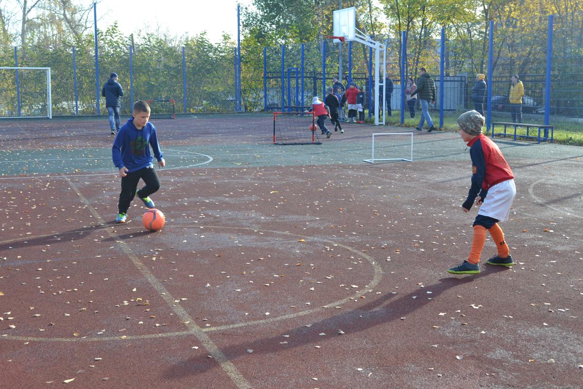 В Алексине прошёл турнир по моно-футболу (1х1)